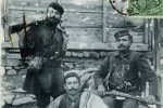 Ηλίας Φαρμάκης, Εμμανουήλ Σωτηριάδης και Γεώργιος Μανώλης ή Πιάλας.