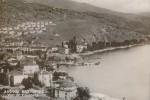 Καστοριά, στο βάθος ο προσφυγικός συνοικισμός της Καλλιθέας, δεκαετία 1930. [από: <em>Προσφυγικός συνοικισμός</em>].